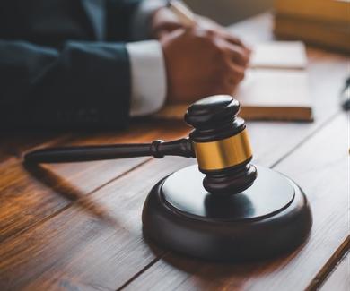 Un juez condena al Ayuntamiento de Zaragoza por insistir en el cobro de una minusvalía