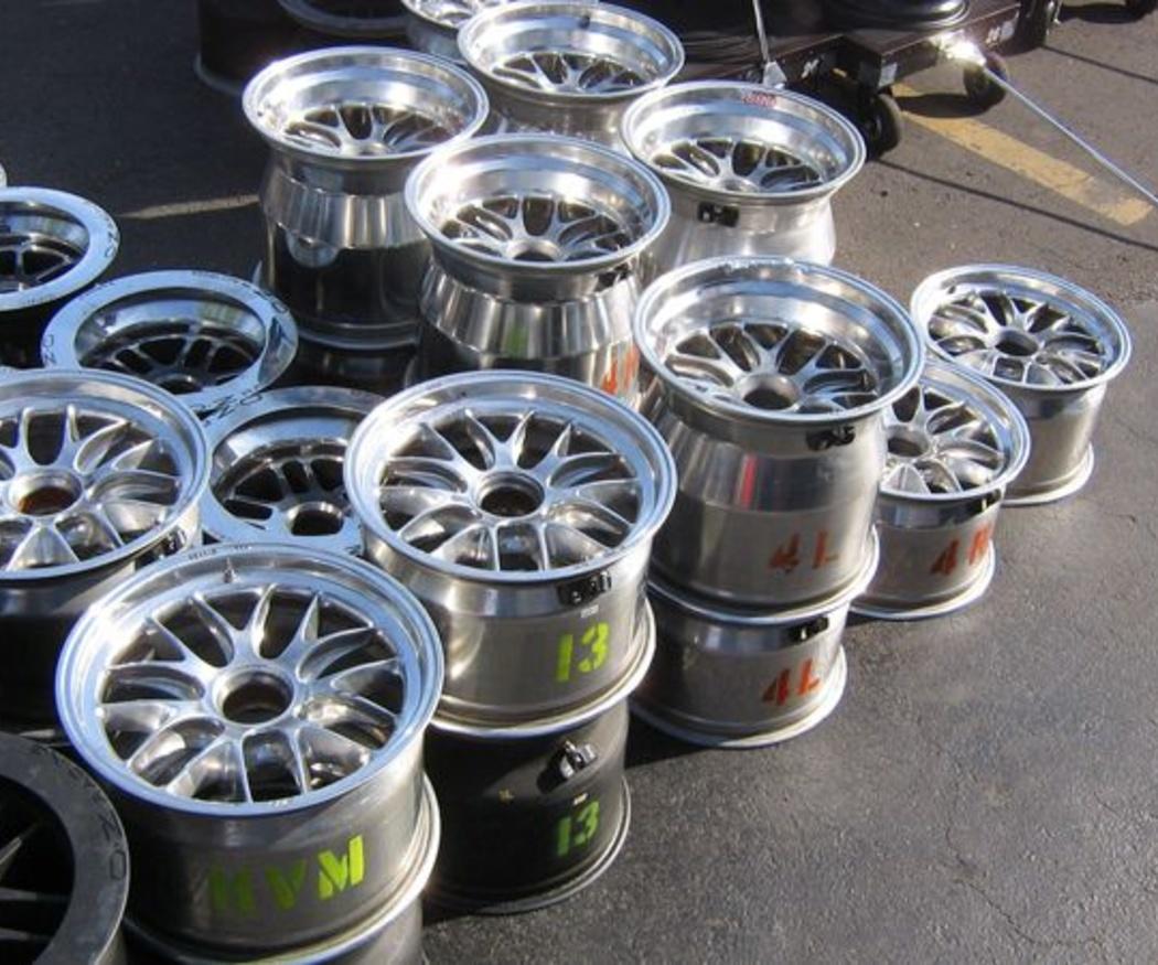 Cuidar los neumáticos de nuestro coche