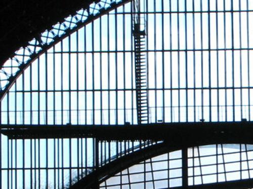 Cierres y puertas metálicas en Madrid | Talleres Chacón