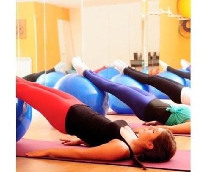 Pilates grupal: Tratamientos de Fisioterapia Paradise Center