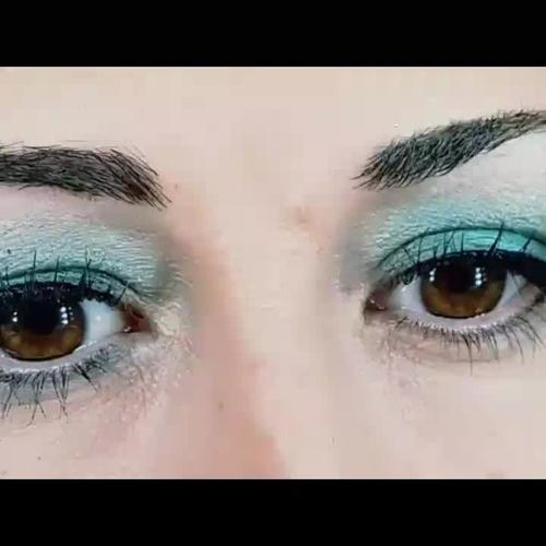 Maquillaje de ojos.