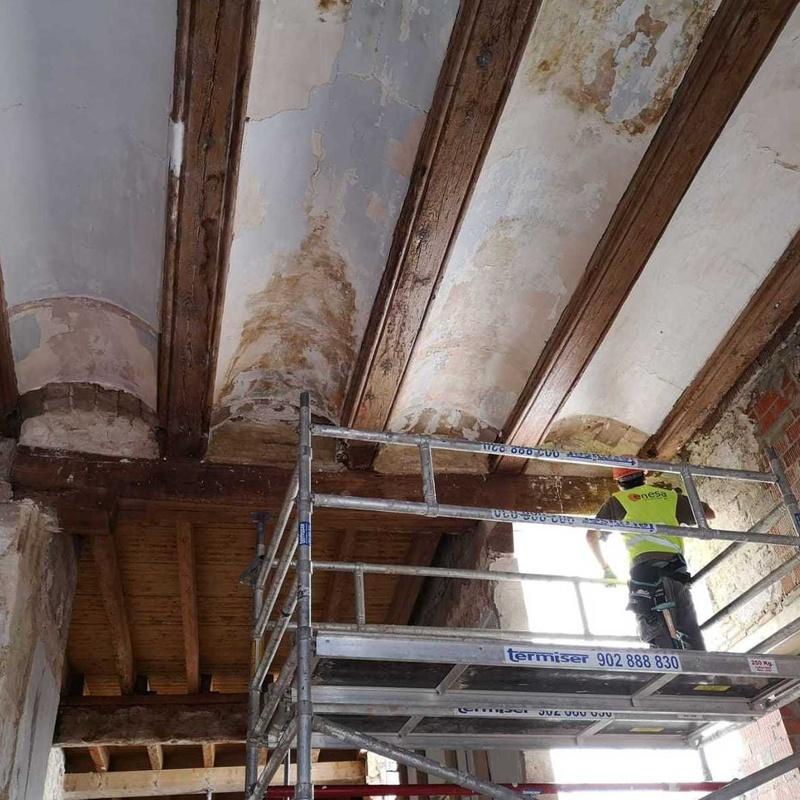 Restauración y consolidación de elementos estructurales de madera: Servicios de ENESA CONTINENTAL