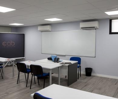 """Plazo abierto para nuestros cursos de """"CHAPA Y PINTURA"""" infórmate sin compromiso"""