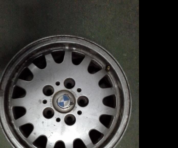 Llantas de aluminio de BMW R-15 de 5 tornillos en Desguaces Clemente de Albacete