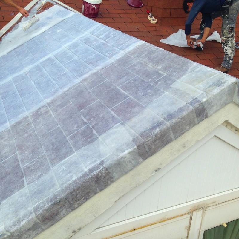 Revestimiento con malla geotextil y revestimiento elástico en cubierta de tégola