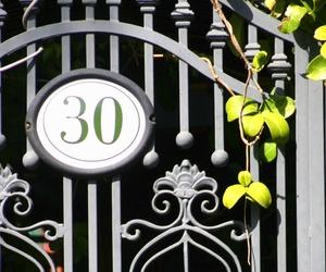 Puertas metálicas de hierro forjado en Málaga