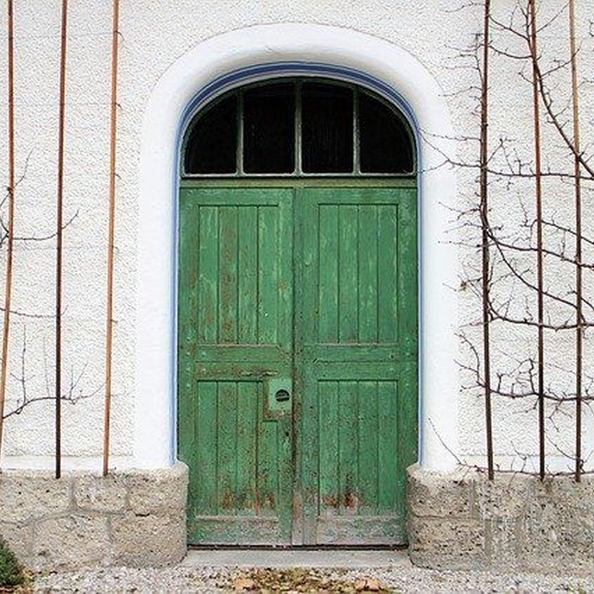 Energía y feng shui con puertas de madera