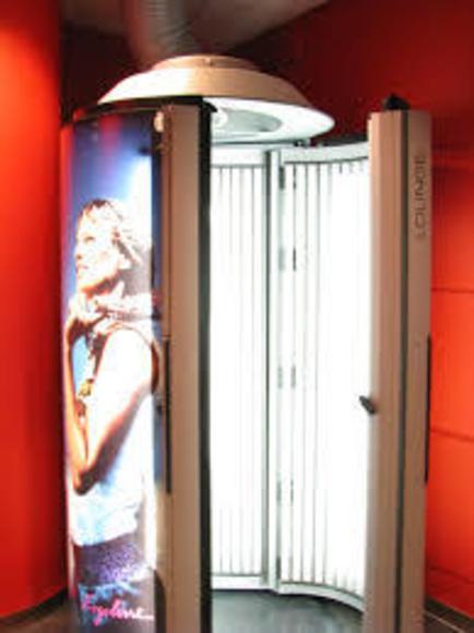 Solarium vertical: Servicios de Peluquería Tupés