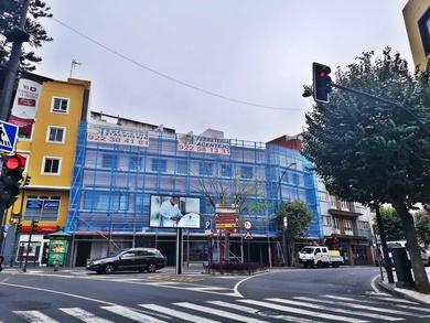 Montaje de andamio multidireccional para rehabilitación de fachada. La Orotava.