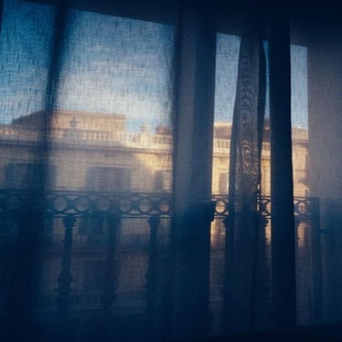 Qué diferencia hay entre una cortina y un visillo