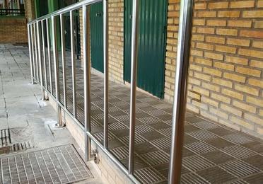 Barandilla de acero inoxidable con diseño no escalable