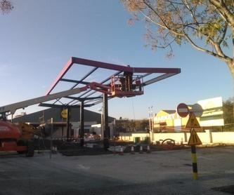Reforma de pabellón de hormigón colocando subestructura en falso techo: Trabajos realizados de Global Metall, S.C.P.