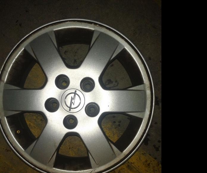 Llantas de aluminio de Opel en desguaces Clemente