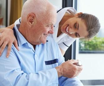 Terapeuta ocupacional: Servicios de Residencia para Personas Mayores Santa Ana