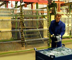 Dispones de lineas de bombo y bastidor tanto de zinc como de zinc níquel en nuestra sede de la Zona Franca, Barcelona