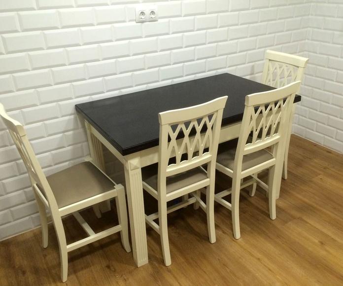 Conjuntos de mesas y sillas, en diferentes estilos