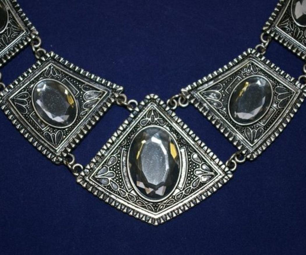 ¿Dejarías tus joyas en un guardamuebles?