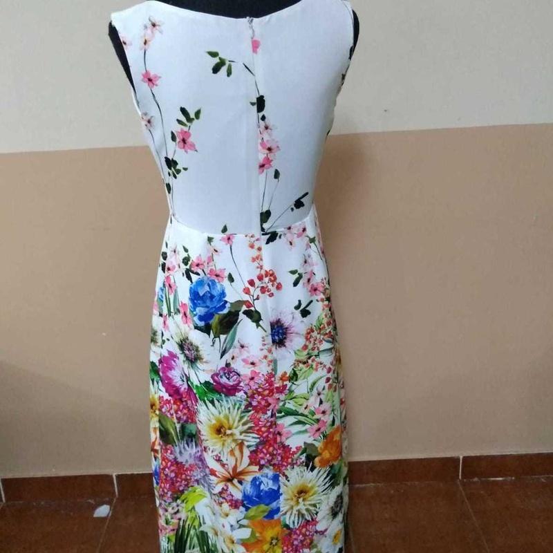 Vestidos: Servicios de Viky Flores