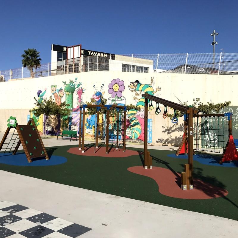 Parque completo, Torrevieja, Flama Levante