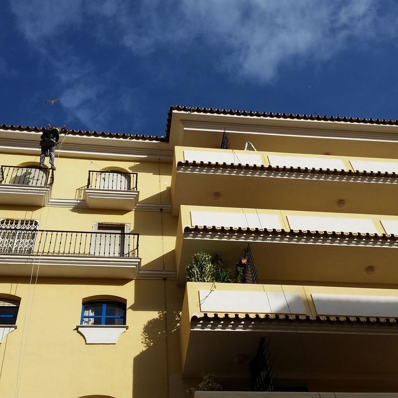Trabajos de altura  : Servicios de Canaltom