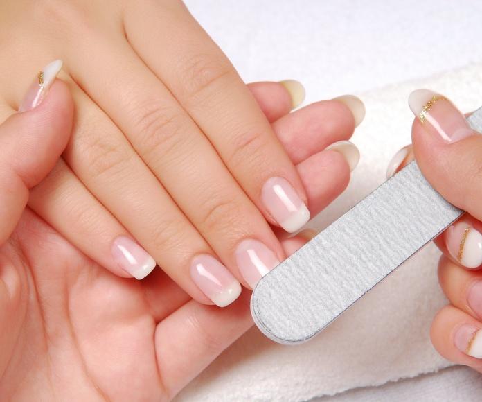 Manicura: Tratamientos de Salón de Belleza Noelia Jiménez
