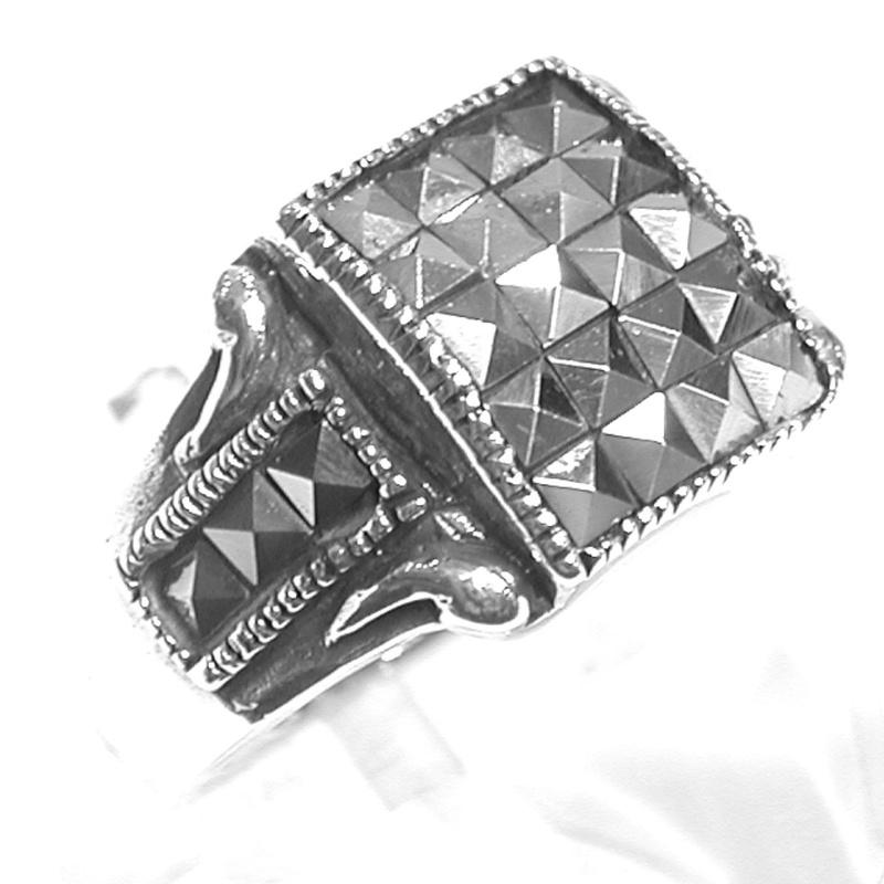 Sortija Forma Cuadrada de Plata de 1ª Ley con Marcasitas.Ref.ES-793/00: Catálogo de Antigua Joyeros