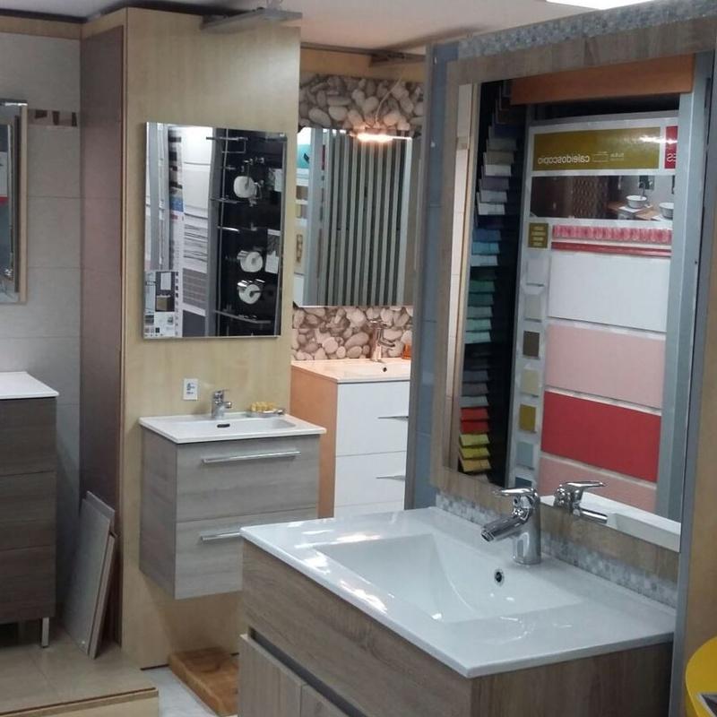 EXPOSICIÓN DE MUEBLES: Productos y servicios de Ceramiques Rillo
