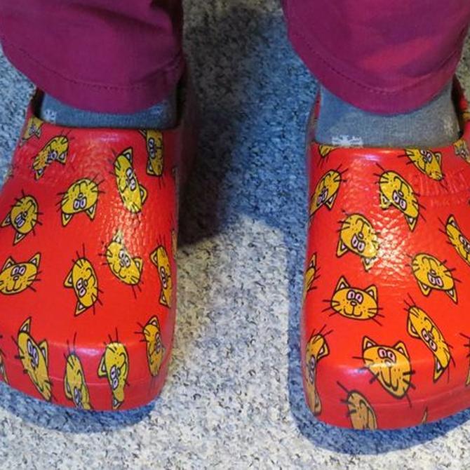 Zuecos, el calzado ideal para tu uniforme sanitario