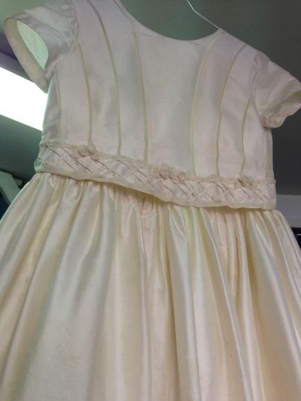 Limpieza de vestidos de comunión: Servicios  de Tintorería Anubis