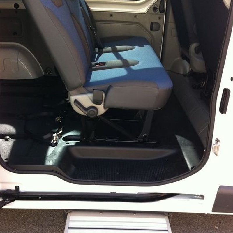 Adapted vehicles and accompaniment: Services de Sacom Serveis Geriàtrics