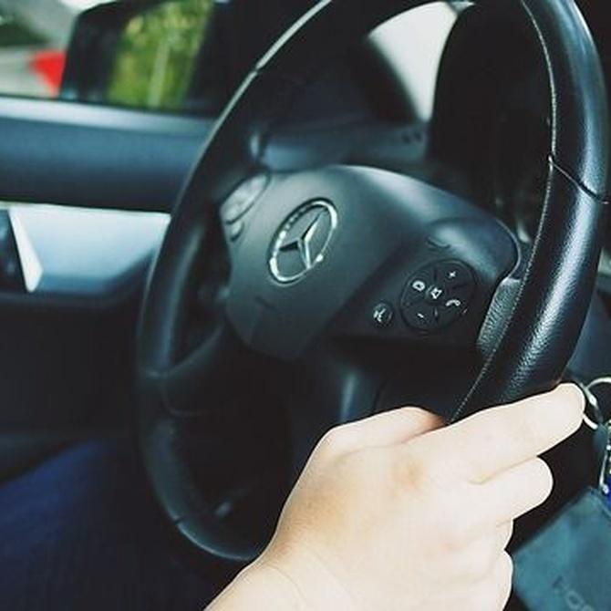 ¿Qué pruebas me practican al renovar mi carnet de conducir?