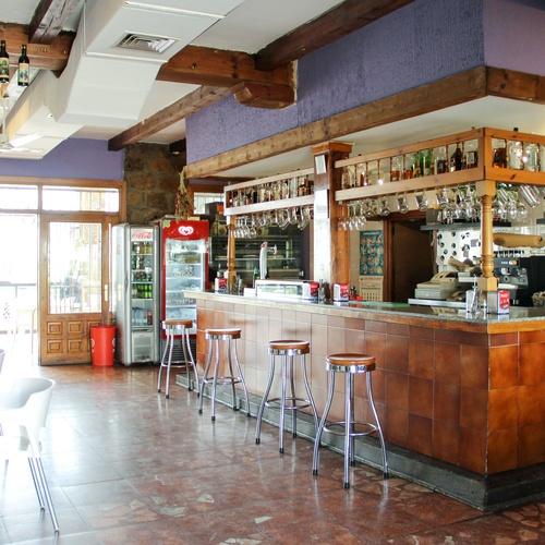 Zona bar de El Mirador de Pelayos
