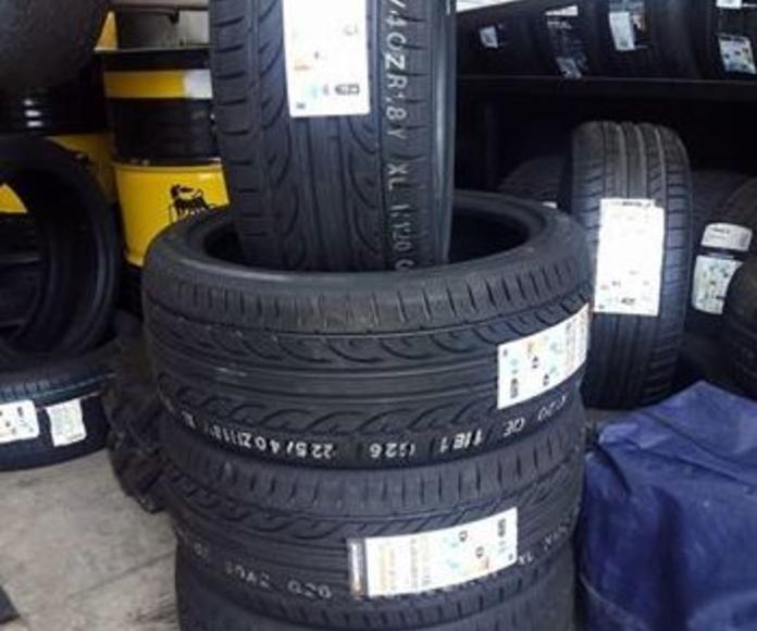Neumático primera marca Hankkok Ventus V12 Evo2 225/40R18 : Servicios de DG Autointegral