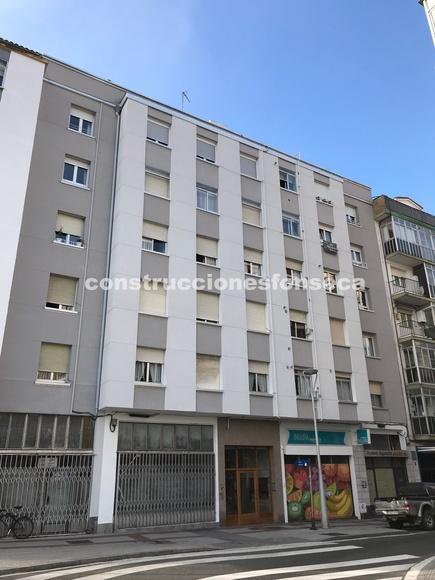 Detalle de fachada rehabilitada en Vitoria