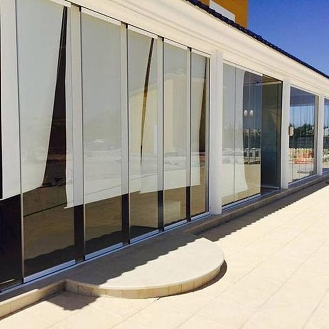 ¿Dónde se pueden instalar cortinas de cristal?