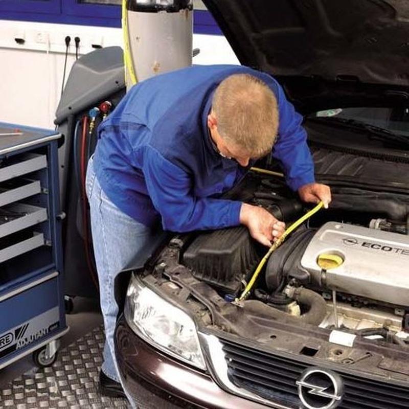 Revisiones de su automóvil : Servicios de Talleres ARG