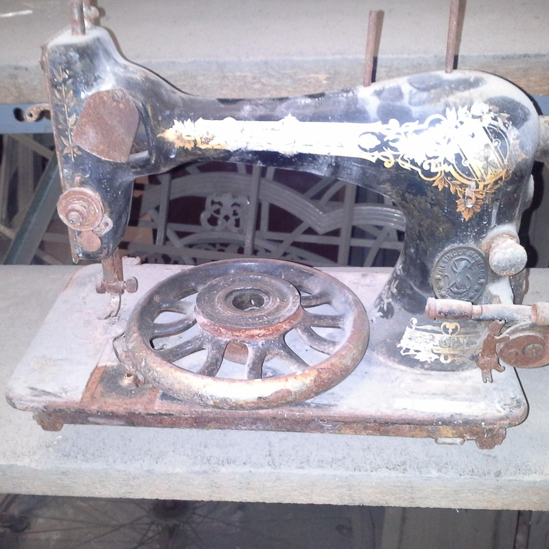 maquina de coser singer antigua en desguaces clemente