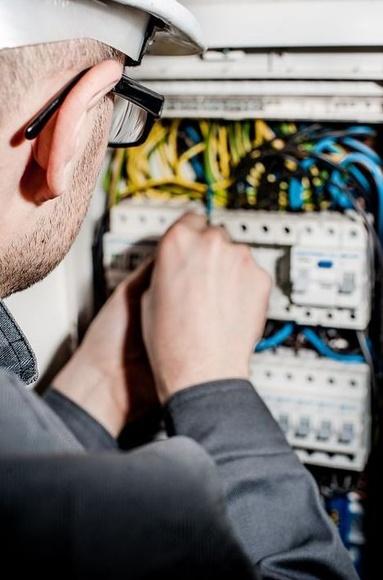 Saltar automáticos y diferenciales : Servicios de Electricidad Julio Hijo