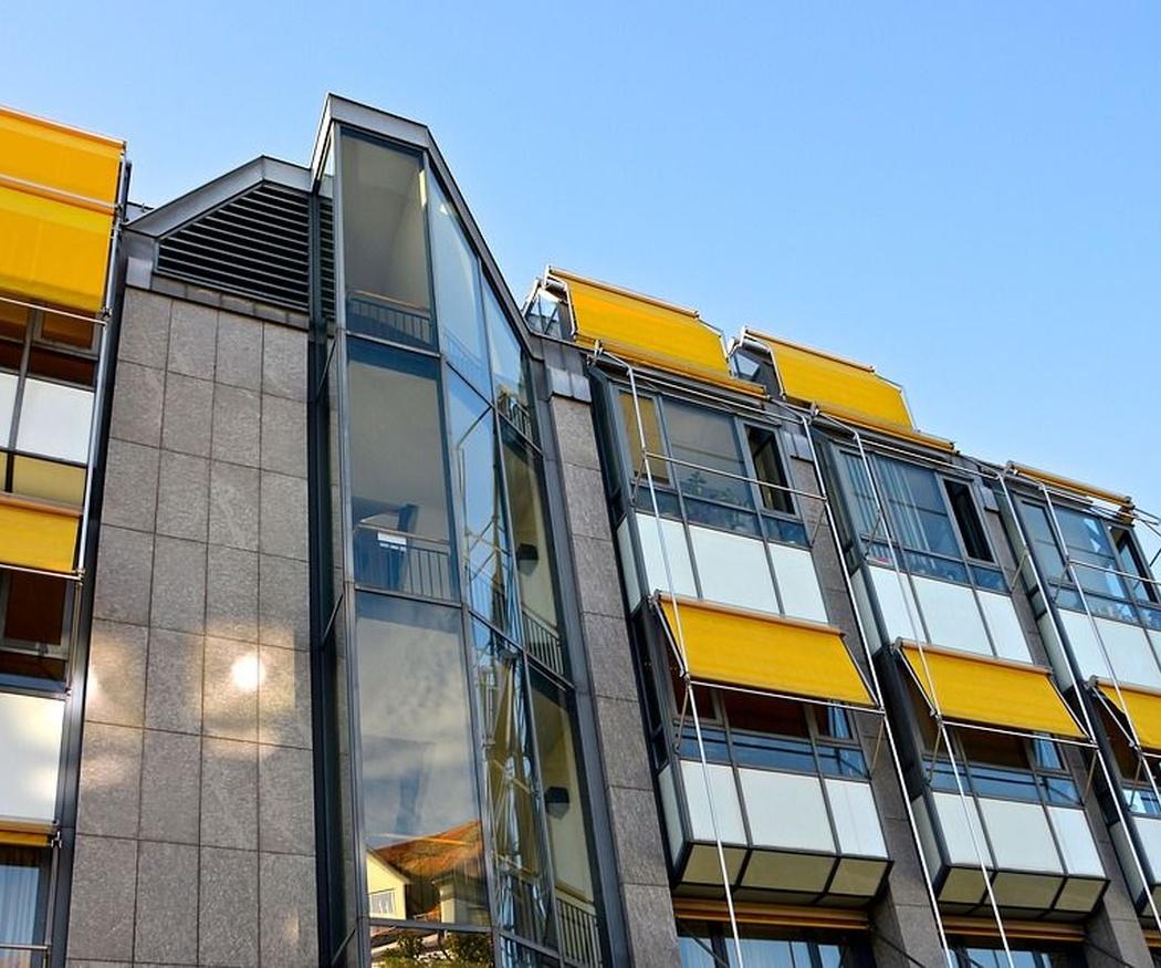 Los tipos de toldos para balcones que existen