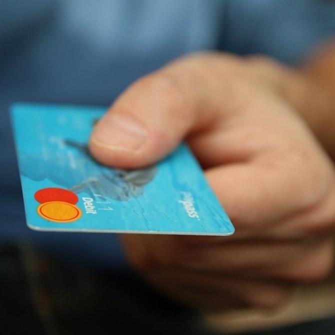Préstamos personales versus tarjetas de crédito