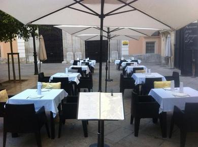 Restaurante con terraza en el centro Histórico