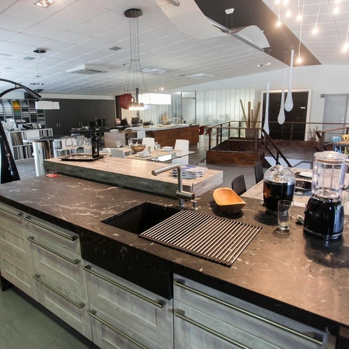 Mobiliario de cocina y electrodomésticos en Ibiza