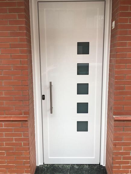 Puertas de entrada: Productos y servicios de Cristalería Jiménez