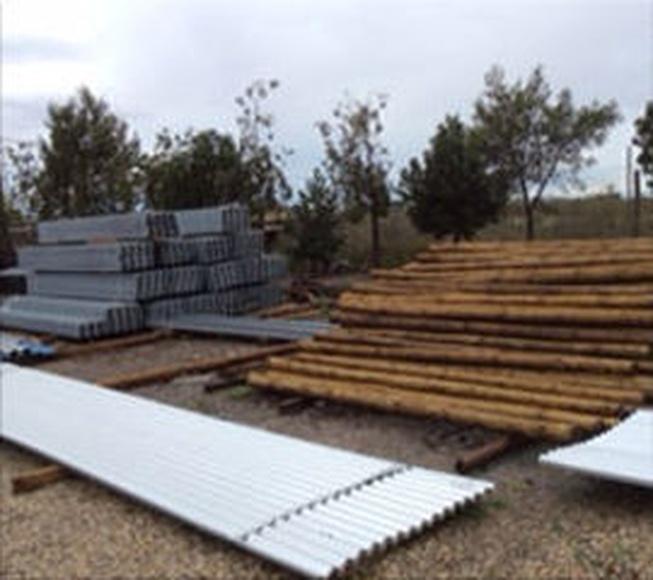 Venta de postes de madera: Servicios de Suministros El Parque