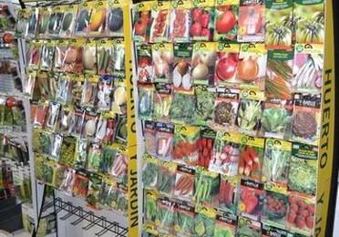 Semillas, céspedes, árboles frutales y plantel de hortalizas
