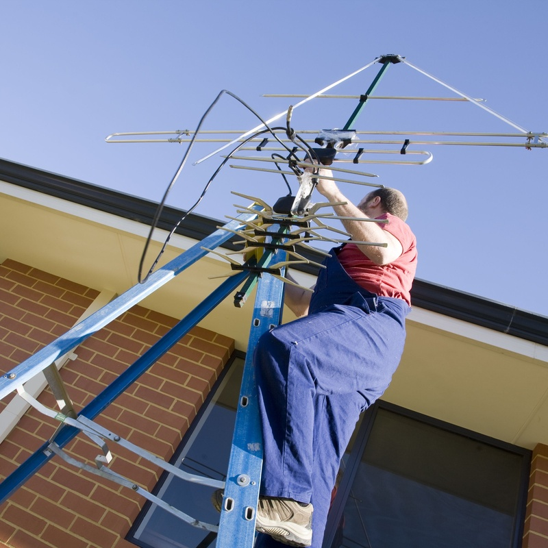 Antenas: Servicios de Instalaciones Eléctricas Sergio Lara Narvión