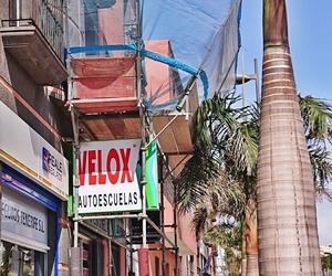 Marquesinas de protección en fachadas. Tenerife.
