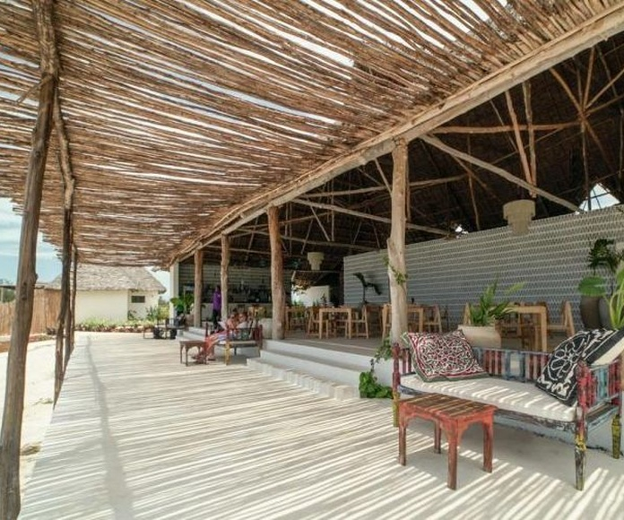 Proyecto integral de Hotel Zanbluu Beach Hotel en Zanzíbar, Kiwengua: proyectos de interiorismo de Paglialonga studio interiorismo