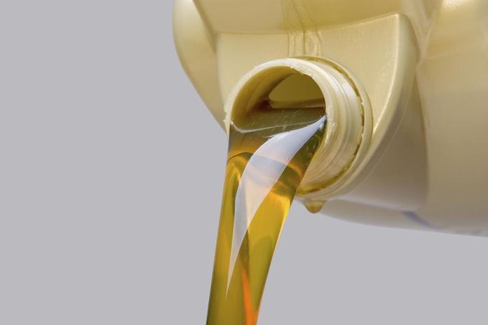 Cambio de aceite : Productos y servicios  de Don Neumático XXI