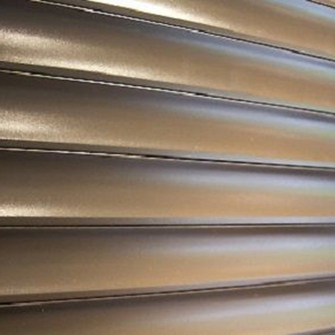 Ventajas de instalar puertas metálicas en locales comerciales